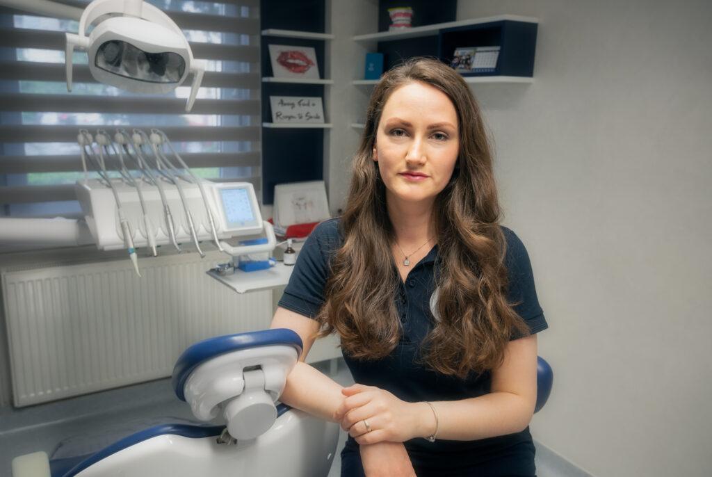 Veja Cristina, medic stomatolog-protetica dentara